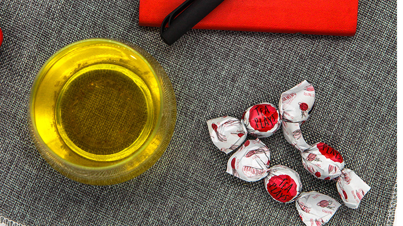 What makes the Oolong Tea from Our Brainstorming Bonbon so Special?